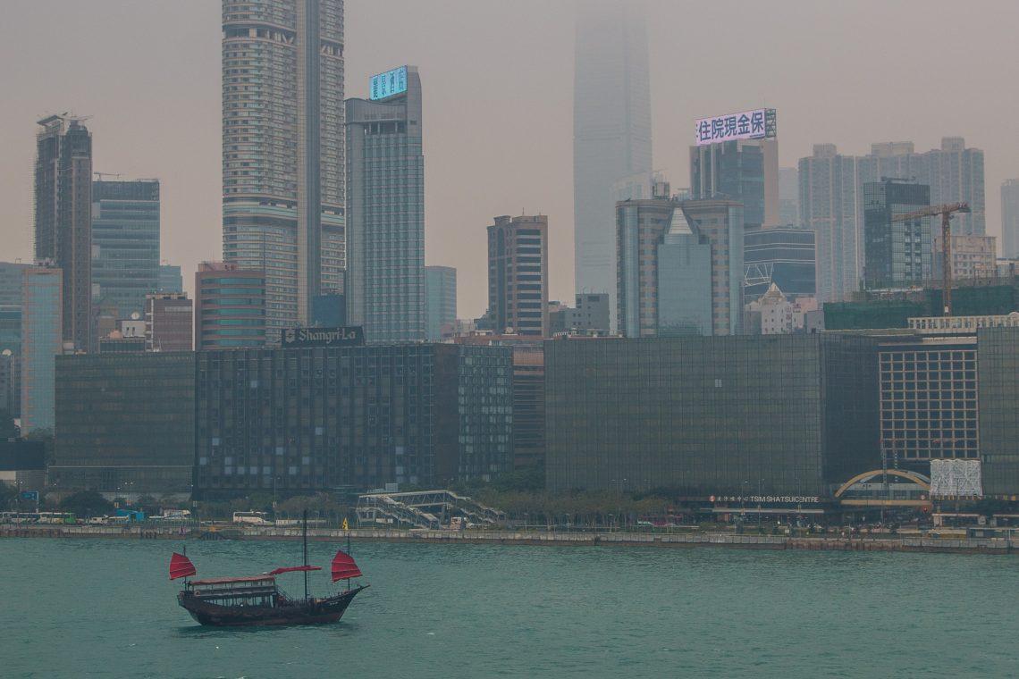 die alte Dschunke im Hafen von Hong Kong